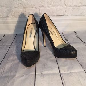 BCBG QUILTED PILLOW BLACK HEELS 8